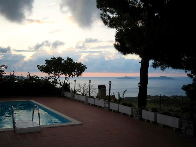 Family friendly & quiet villa - Alonnisos - Villa
