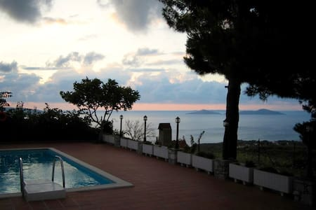 Family friendly & quiet villa - Alonnisos