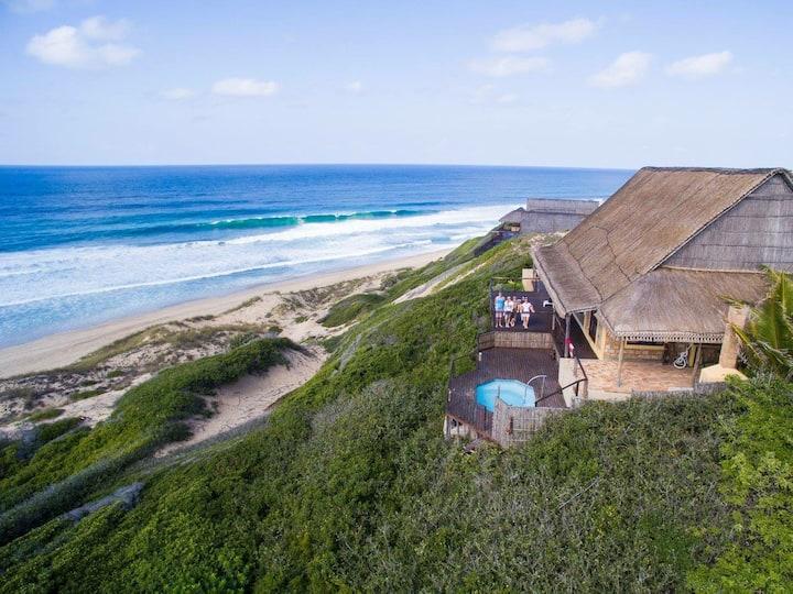 Casa 32 Lighthouse Reef. Beachfront holiday house.