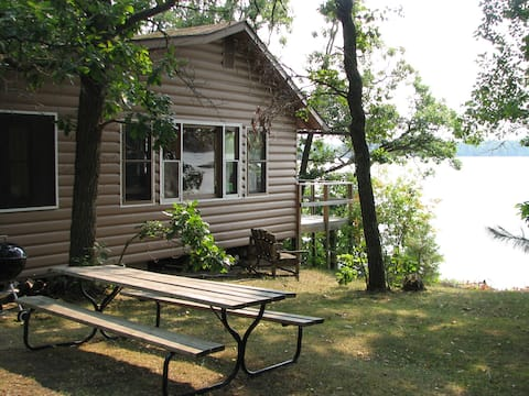 Lakefront Island Cabin, Lake of the Woods, Canada
