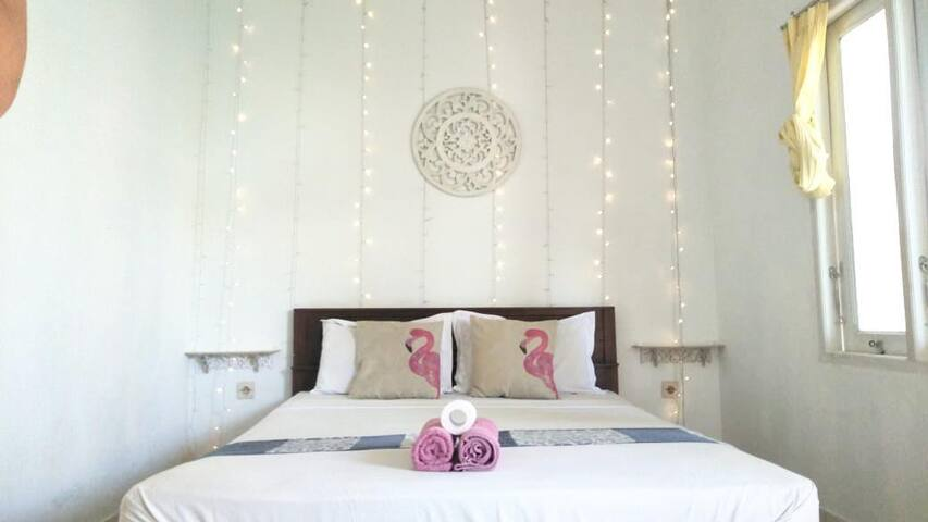 Golden White - Private Room with Air Con (2)