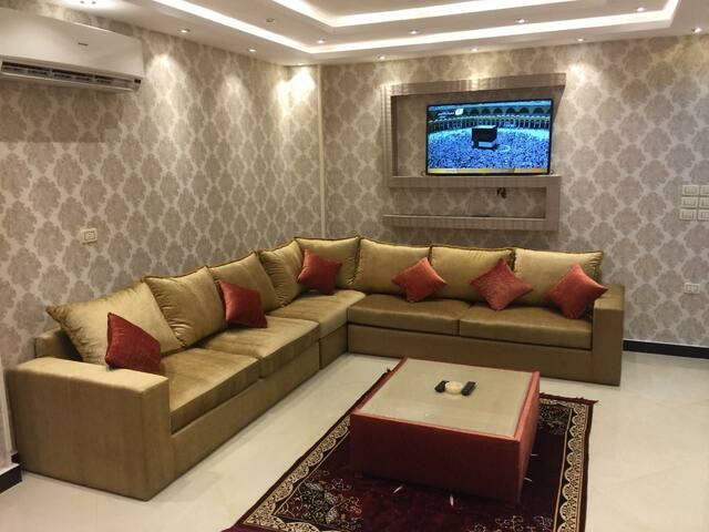 شارع البطل أحمد عبد العزيز بجوار مطعم ام حسن