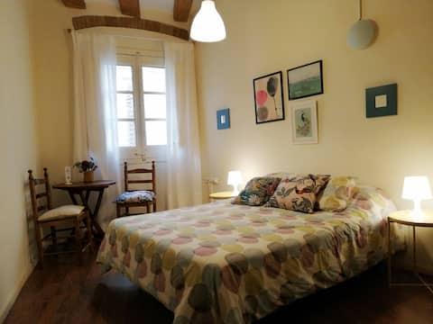 Double bed Near Las Ramblas