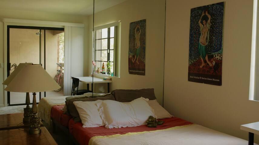 Private Two Bedroom La Jolla Condo