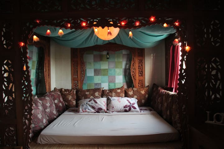Romantic spacious bed at the Rooftop