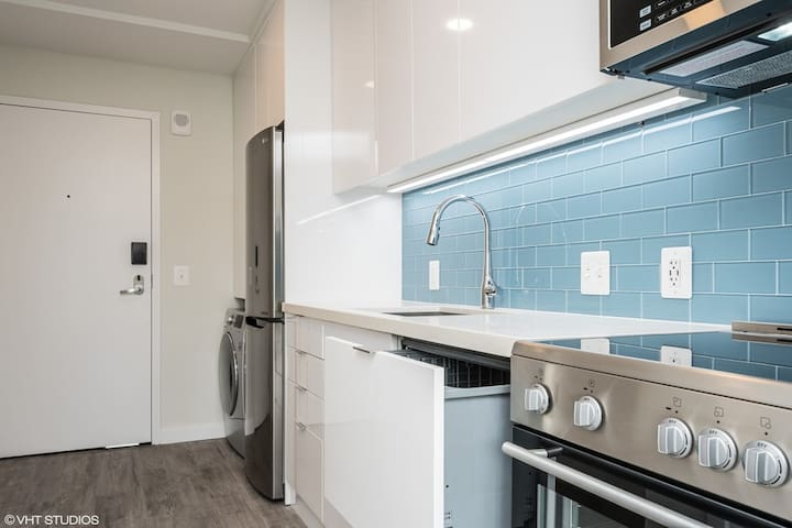 Kasa | Washington DC | Upscale Studio Foggy Bottom Apartment | 30+ Day Rental ONLY