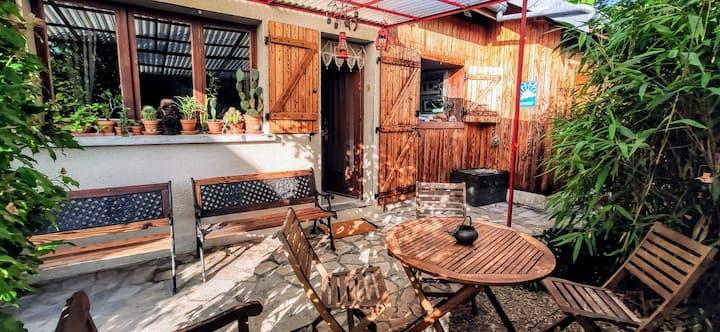 petite maison pleine de charme à coté de Besancon
