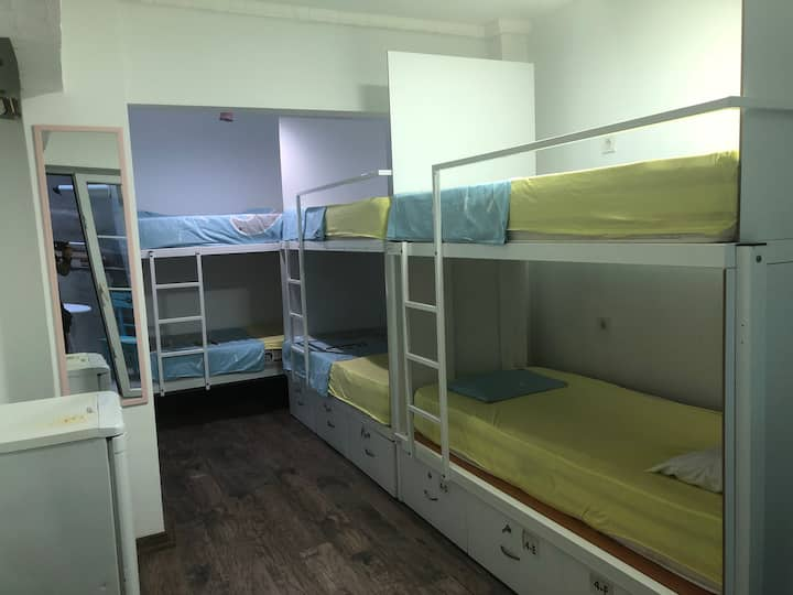 4 BEDROOM MIXED Dormitory