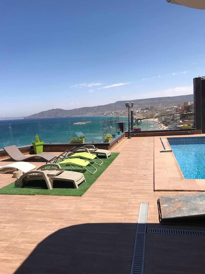 Villa de luxe  avec piscine en front de mer oran