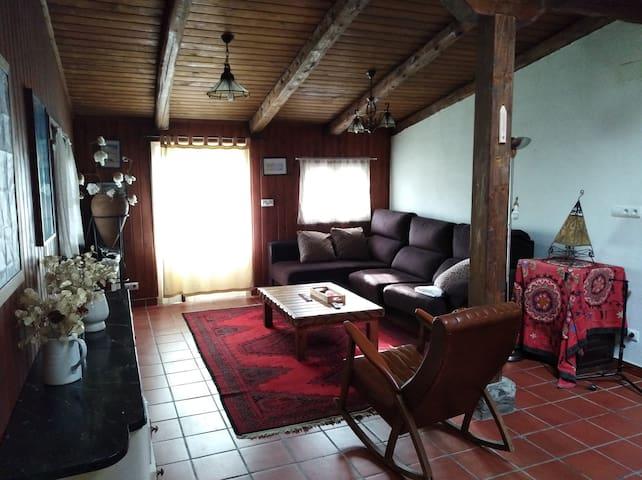 Casa entera con jardin 8 personas Aisa Pirineos