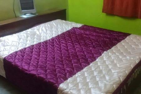 Cozy Comfortable Home - Bed & Breakfast