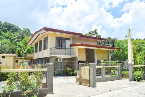 Spacious, Fully furnished house with 3 Rooms