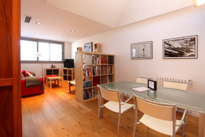 Nice & new apartment 20' Barcelona. KIDS friendly - Sabadell - Condominio