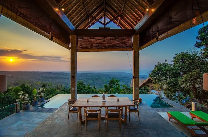 180° VIEW, PRIVATE POOL VILLA.. - Singaraja