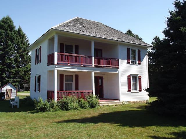 The Willett House