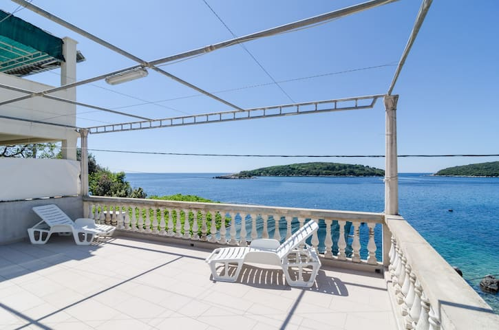 House Rašica - Two Bedroom with Terrace & Sea view