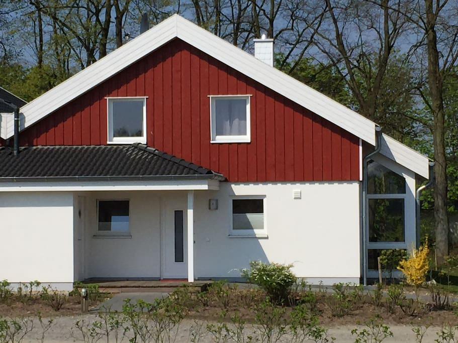 ferienhaus luan huizen te huur in nordhorn niedersachsen duitsland. Black Bedroom Furniture Sets. Home Design Ideas