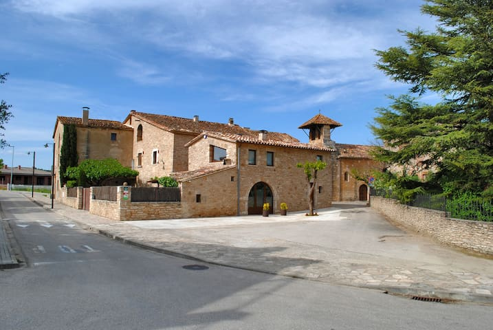 Traditional Catalan villa 18 people - Mata - Huis