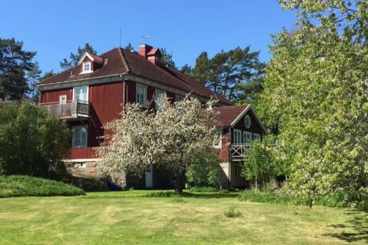 Västervik:  A house close to sea (11 bedrooms)