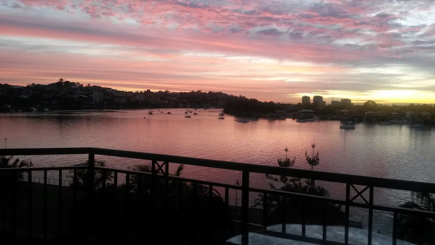 Stunning Brisbane River - close to city - Newstead - Daire