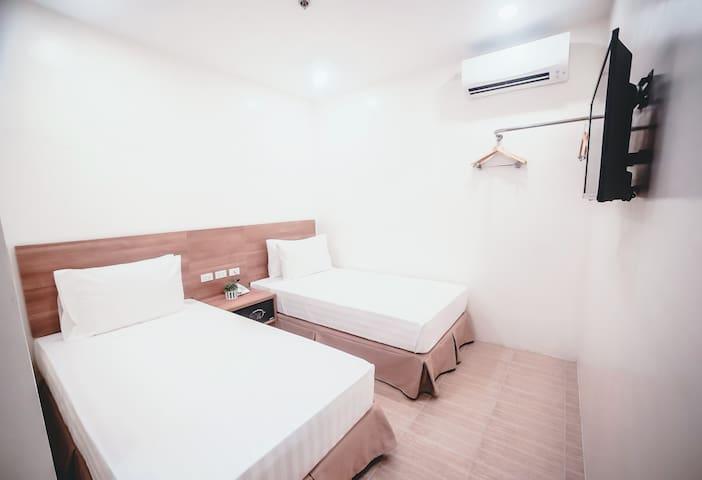 Clean New Standard Twin Room 312 (No Window)