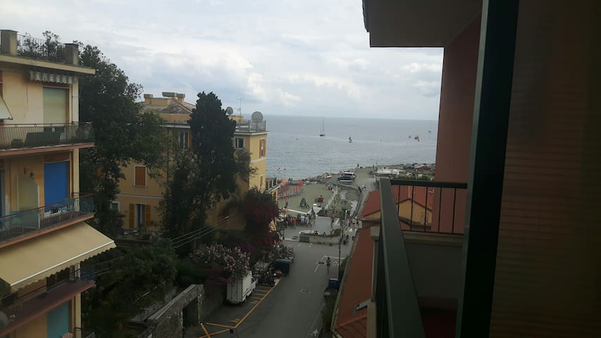 A due passi dal mare di Fegina