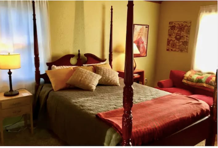 Two elegant private bedrooms near Reed College