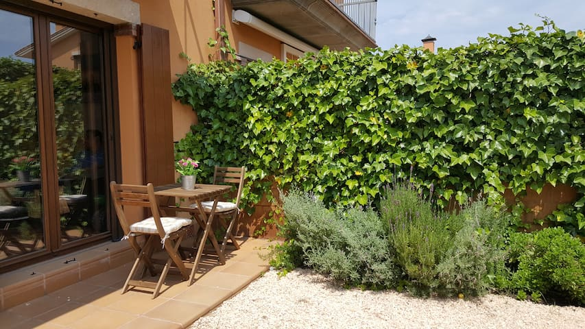 Nice house with garden y BBQ for 5 persons - Bellcaire d'Empordà - Radhus