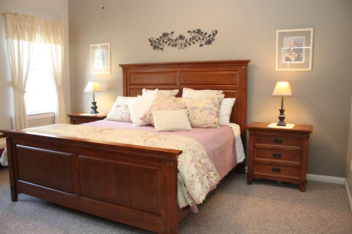 King size bed in spacious bedroom!