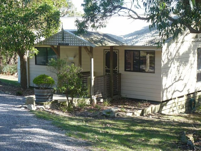 Cottage retreat on 10 acres of coastal bushland.