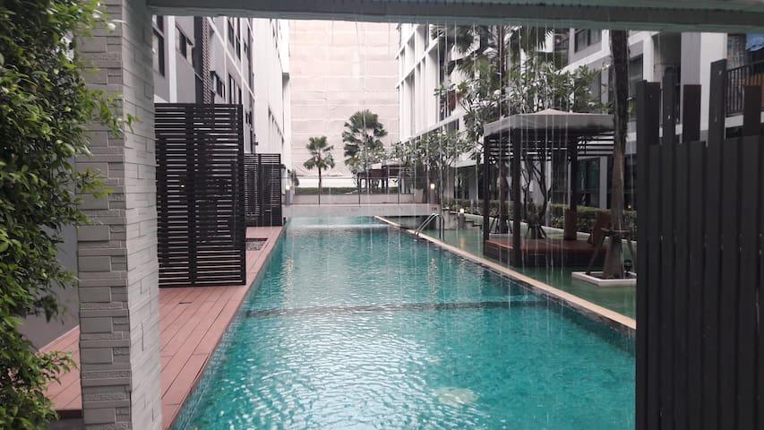 1 br Luxury Apt, MRT, Pool, Gym - Banguecoque - Apartamento