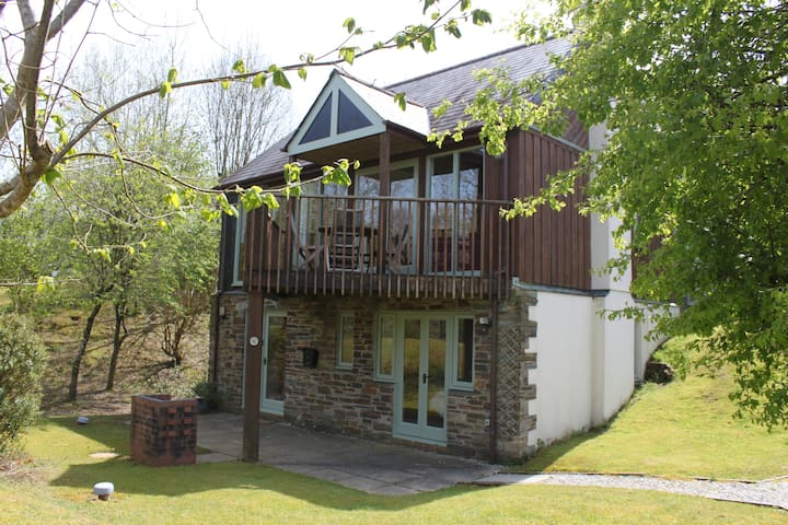 Three bedroom, detached lodge