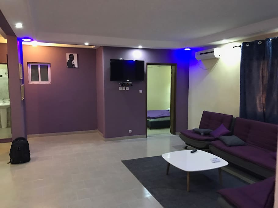 Appartement meubl chambre salon apartments for rent for Appartement meuble a dakar