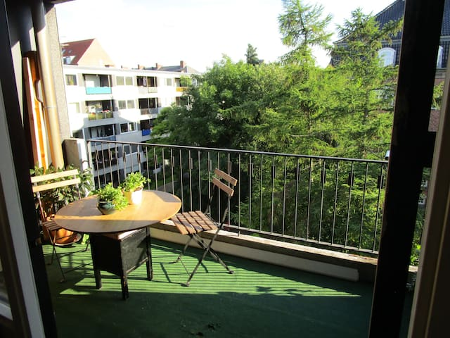 Cozy and bright 2-room apartment with big balcony