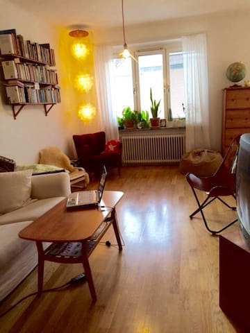 Cosy flat just 10 minutes from Stockholm City