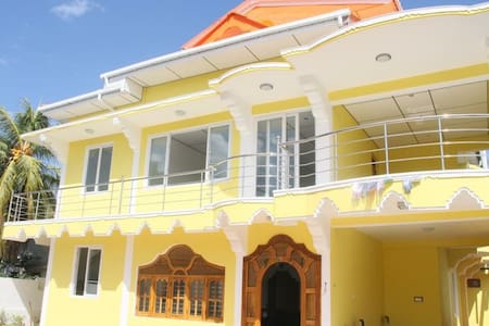 BIG HOUSE WITH A/C IN THE HEART OF TRINCOMALEE