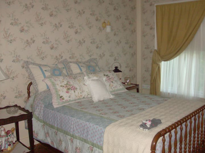 Carter Manor House, The Grandpa Carter Room.