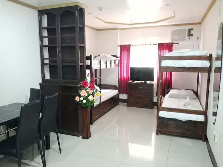 Backpackers Room Near SM & Robinsons Galleria Cebu