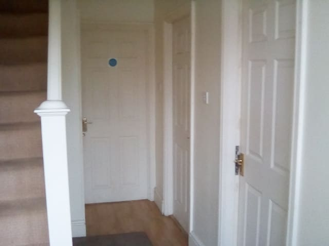Nice Rooms For S/M groups close to city,shops. - Newcastle upon Tyne - Haus