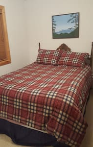 Private room in Convenient Tahoe Donner Cabin - Truckee