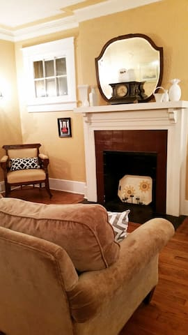 Comfy Chic 3BR Midtown Home, near Downtown