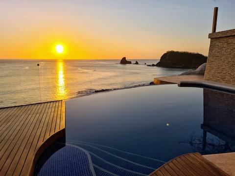 VILLA DELFÍN - Beachfront Luxury Villa 180° views