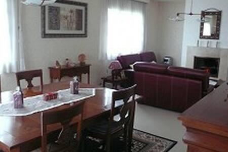 Belle chambre dans une Maison Solognote - Lamotte-Beuvron - House - 2
