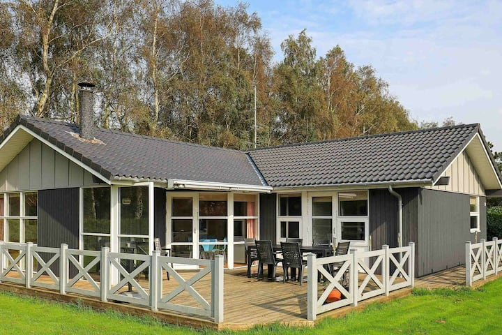 Country Holiday Home in Væggerlose Falster with Whirlpool