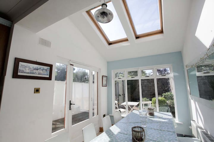 Spectacular home close to Sandycove/Dalkey