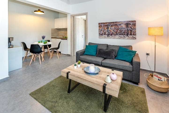 Superior- Cozy & Central Apartment with Sea view