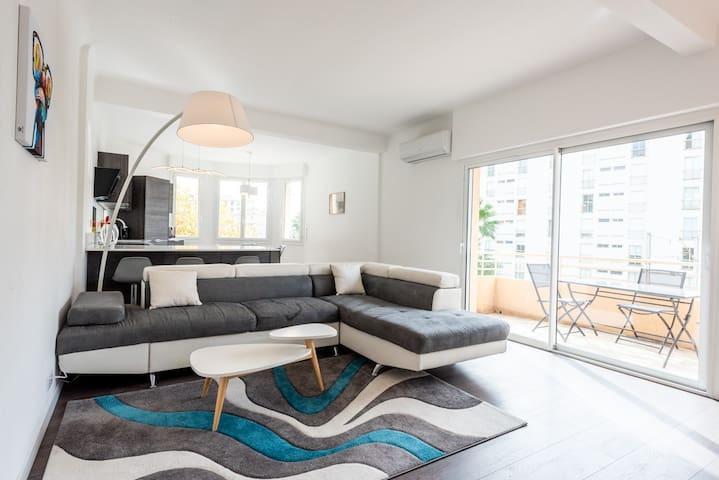 Spacious 6 pax flat near Croisette and beach