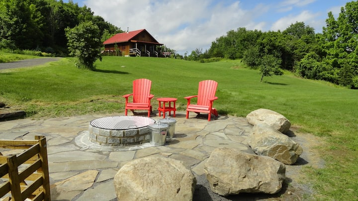 New mountain home 56 ac outdoor hot tub Hebron, NY