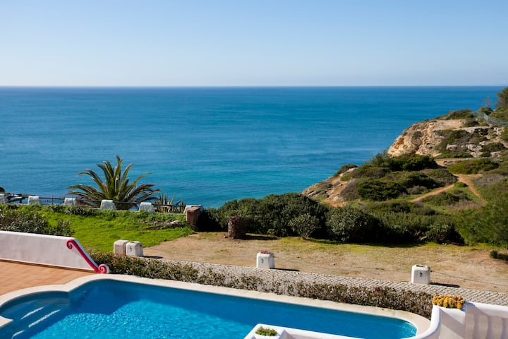 Modern Villa in Centre of Carvoeiro With Sea View