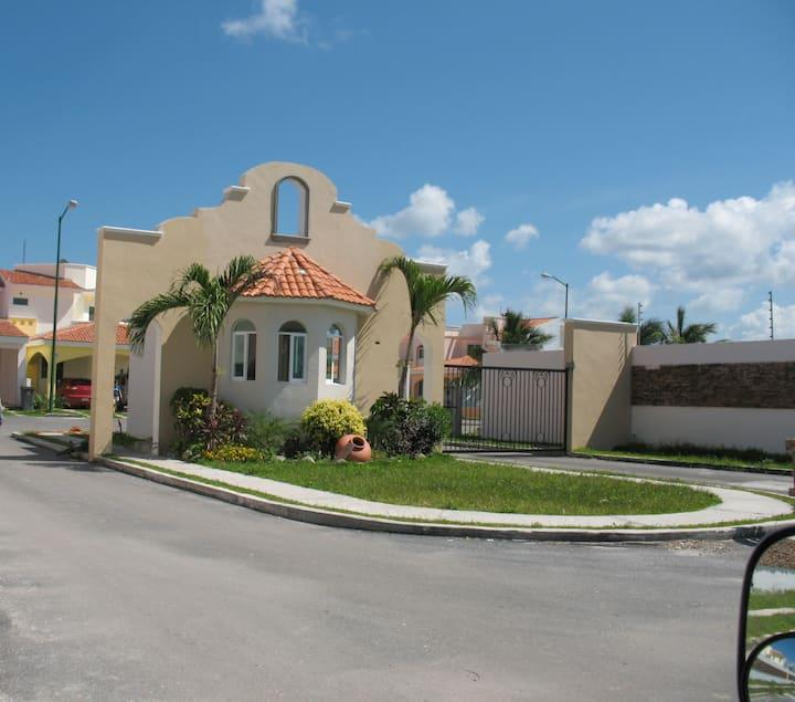 Habitación completa  con todos los servicios